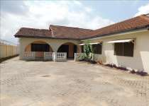 4bedrooms unfurnished house with 3bedroom outer ho